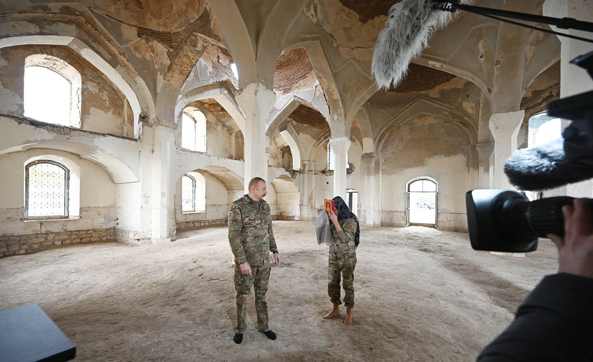 رئيس أذربيجان إلهام علييف في أرمينيا