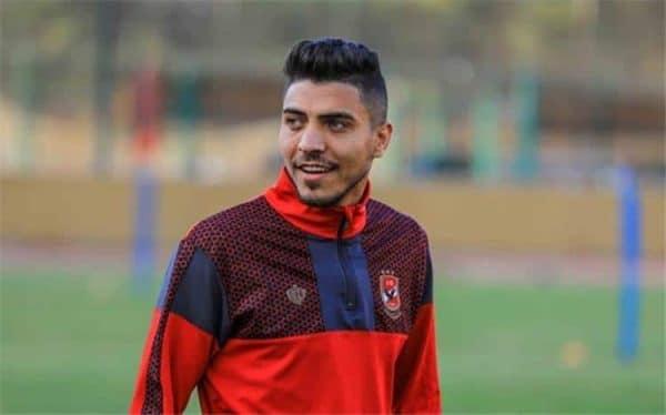 لاعب الأهلي محمد الشريف