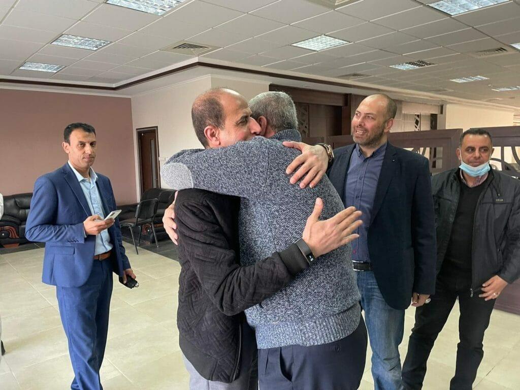 عودة مفاجئة لرجال محمد دحلان إلى غزة